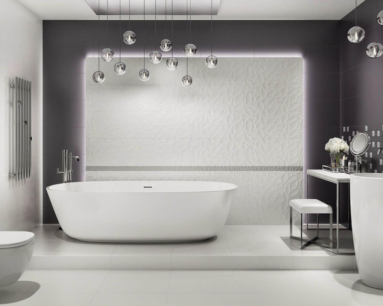 Biało-czarna łazienka z wolnostojącą wanną