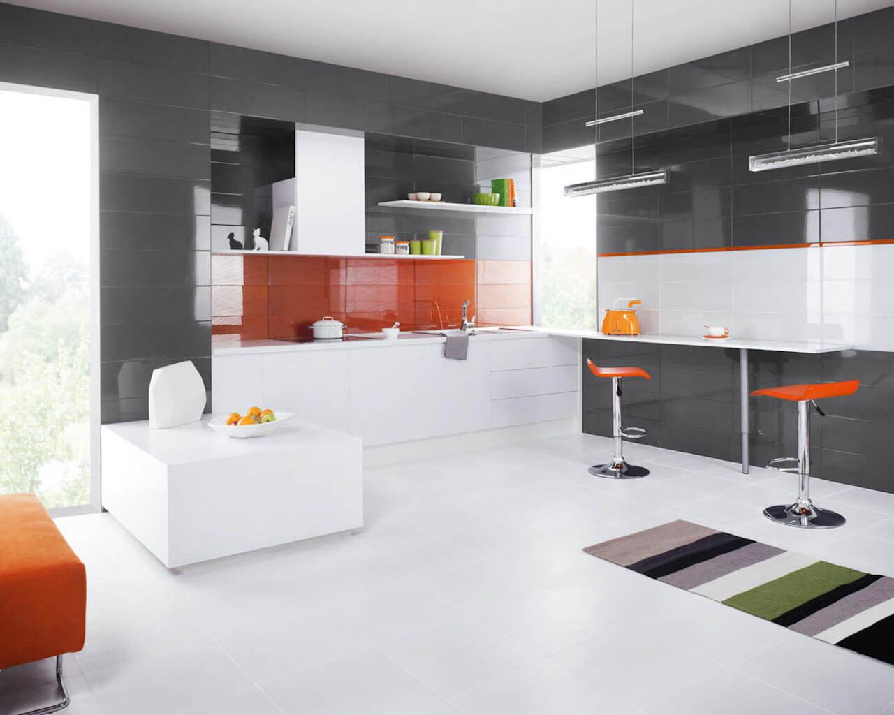 Nowoczesna, przestronna kuchnia z akcentem żywego oranżu