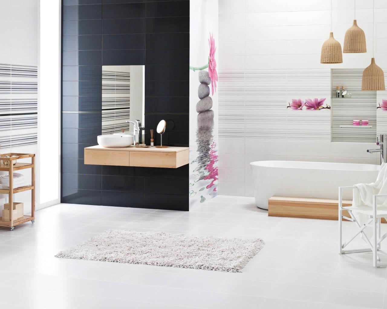 Harmonia barw i motywów dekoracyjnych w przestronnej łazience