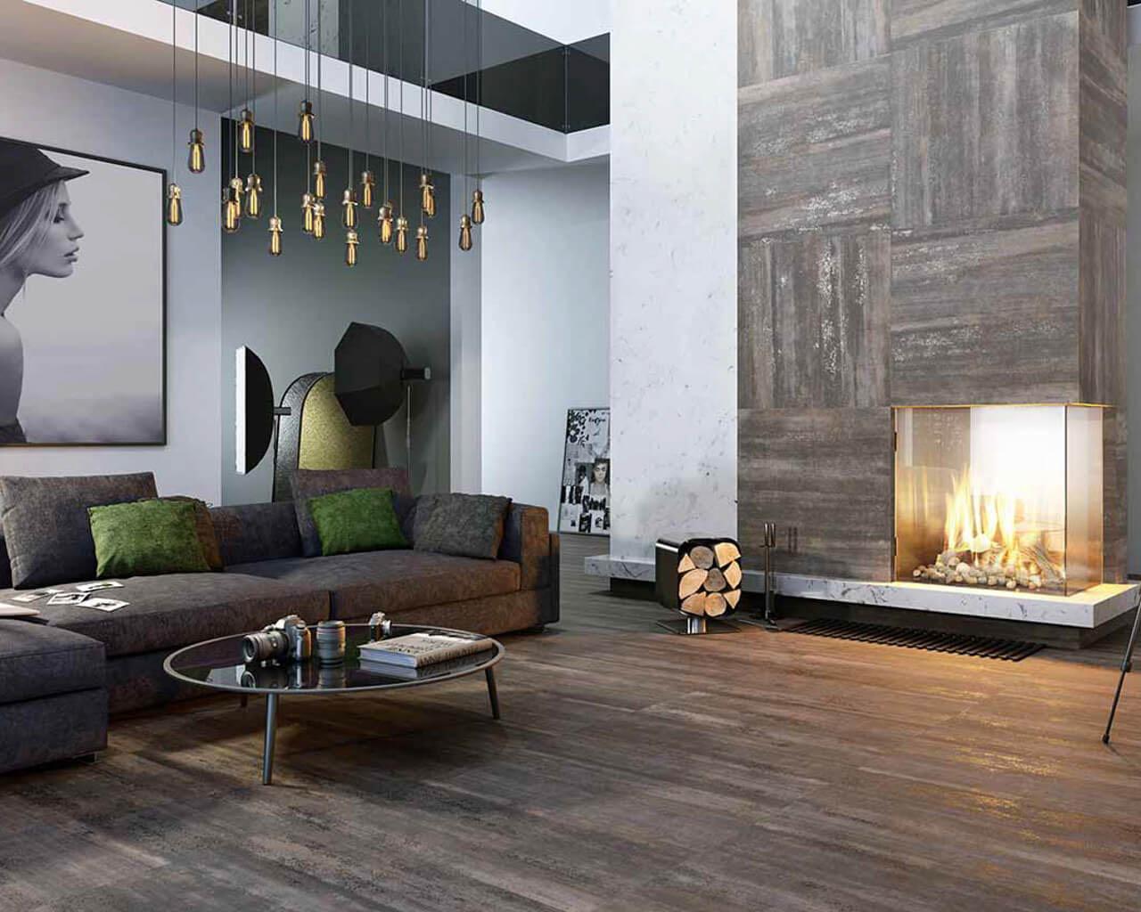 Brązowo-szary salon z kominkiem w stylu industrialnym