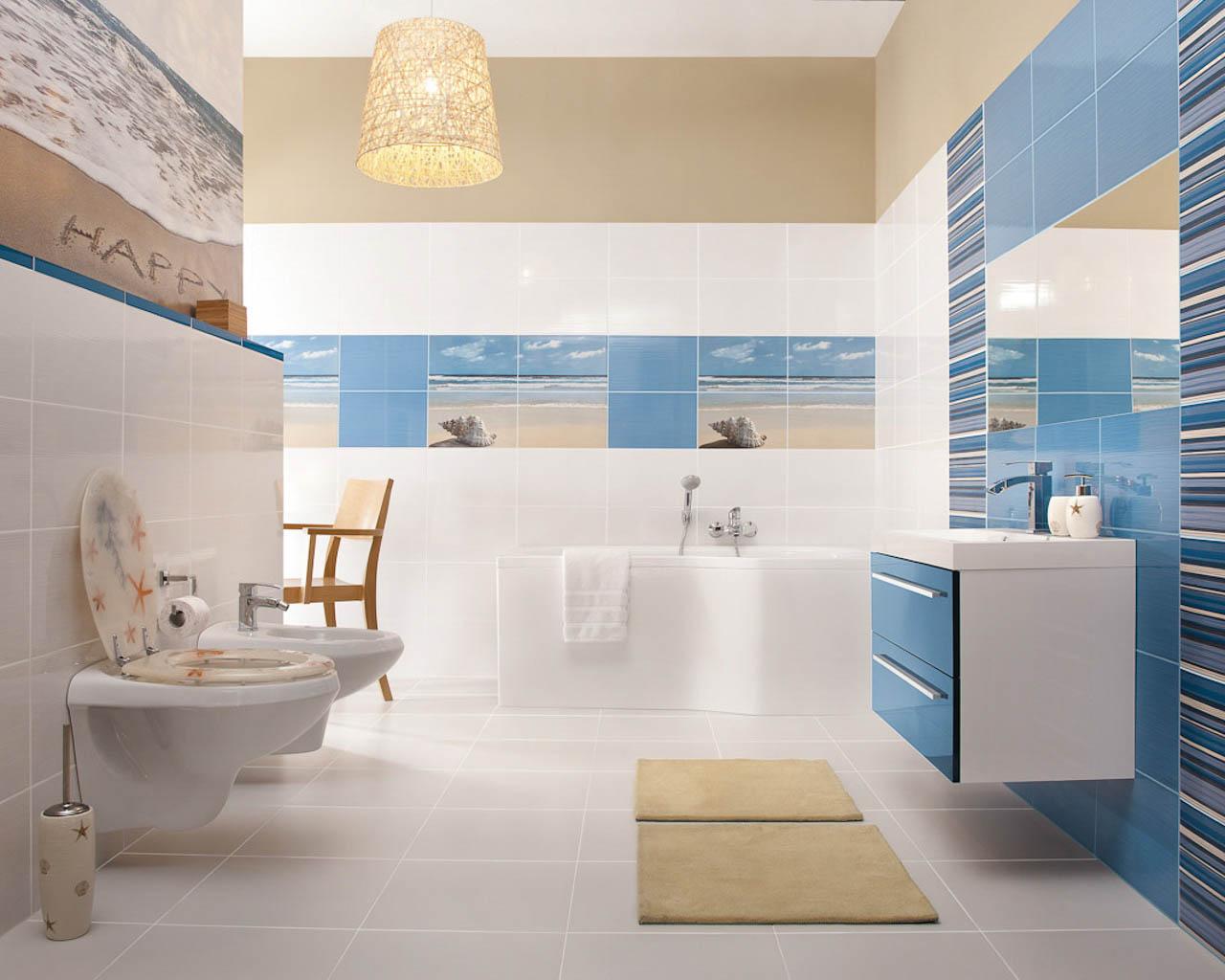 Biało-błękitna łazienka zmotywem plażowym