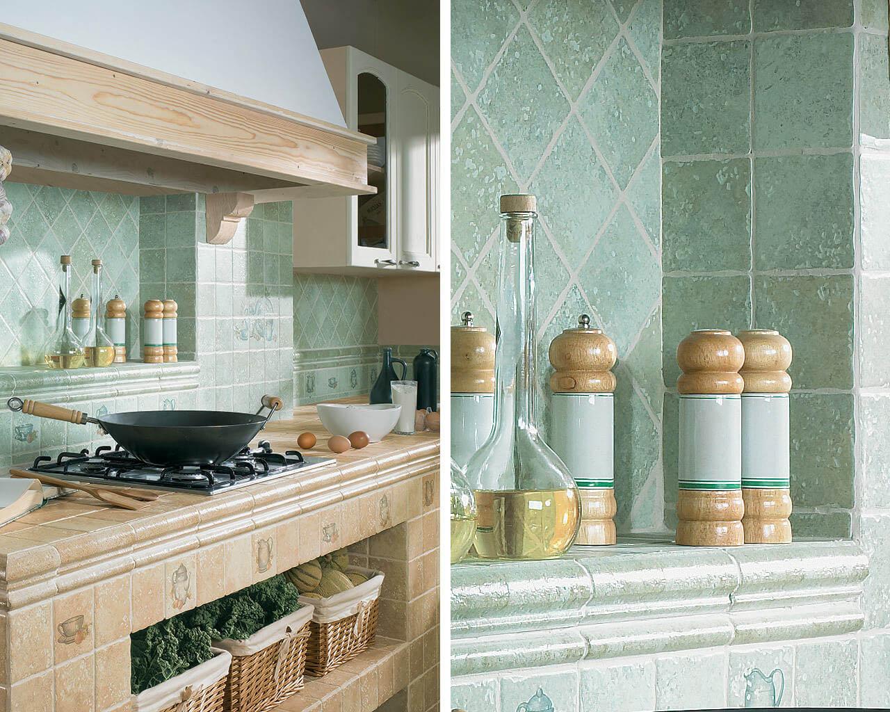 Rustykalne płytki małego formatu w funkcji obudowy szafek kuchennych