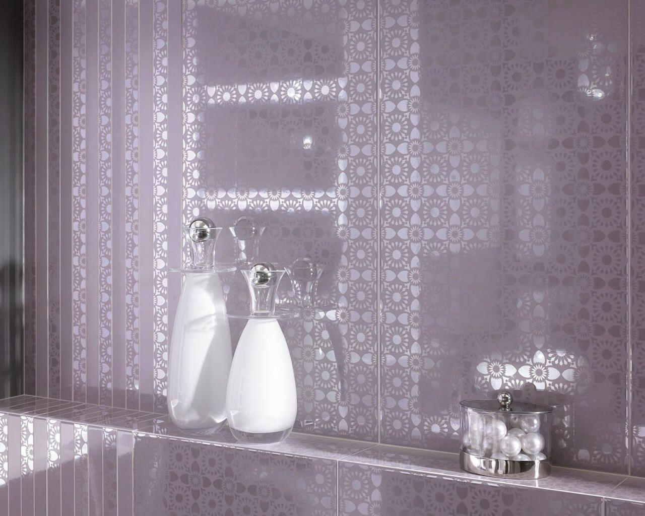 aranzacja-nowoczenej-fioletowej-lazienki-piumetta-piume-ceramika-paradyz