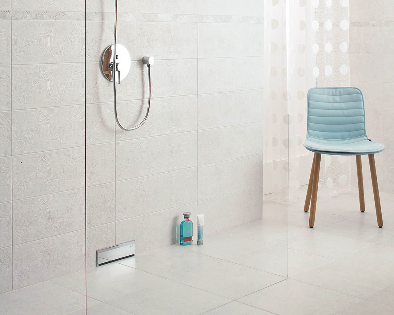 Nirrad / Niro - Bathroom tiles 20x60 cm in white and gray | Ceramika ...