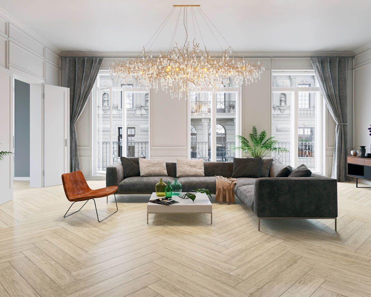 Moderne Klassik im Salon mit einem holzähnlichen Fußboden ...
