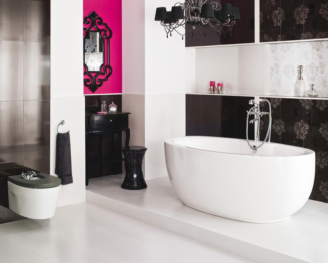 Crystal Shine Of A Black And White Bathroom In A Glamour