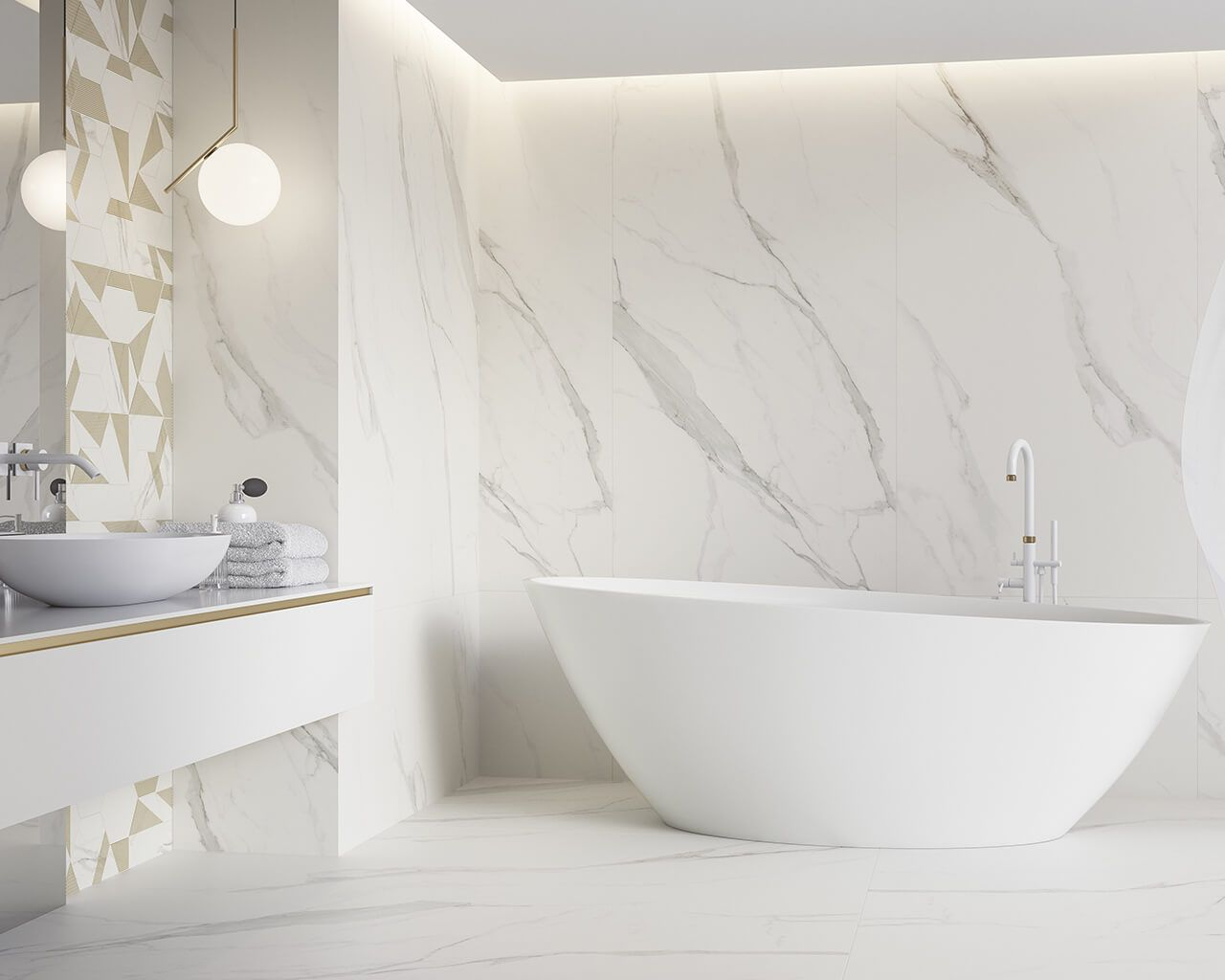 Exclusive bathroom with white marble in the leading role ...