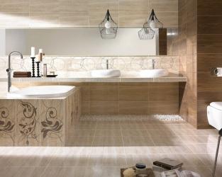 Klasyczny beż i brąz w dużej, bogato zdobionej łazience