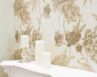 Barokowe bogactwo zdobień w jasnej łazience