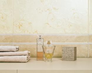 Barokowa, beżowa łazienka