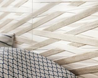 Ceramiczna plecionka z drewnianych listew