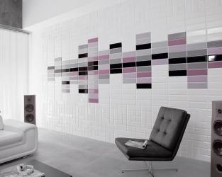 Nowoczesny salon z kaflami na ścianie