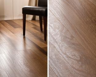 Delikatna struktura orzechowego drewna w klasycznym salonie
