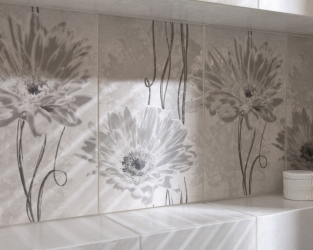 Siła monochromatycznego dekoru w industrialnej łazience