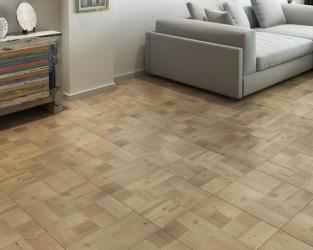 aranzacja-salonu-z-drewniana-podloga-legnetto-ceramika-paradyz
