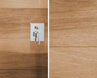 Ceramiczne drewno w strefie prysznicowej