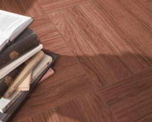 Zapach drewna i skóry w klasycznym salonie