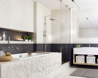 Przestronna łazienka w modnych bielach i szarościach