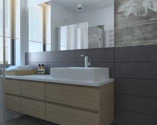 Kamienne szarości i drewno w łazience z oknem