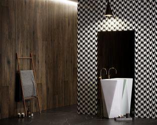 Biało-czarna łazienka z drewnem.